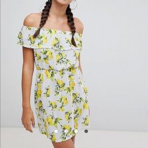 Lemon and polka dot dress 🍋